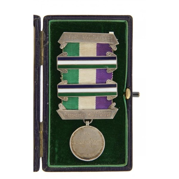 WOMEN'S SOCIAL AND POLITICAL UNION MEDAL Image