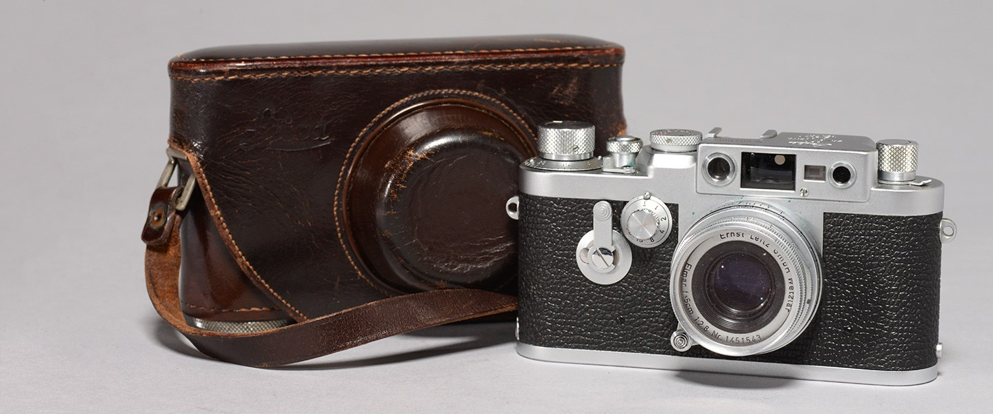 Leica sold price Slide Image